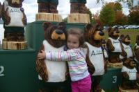 84652-kid-hugging-bear